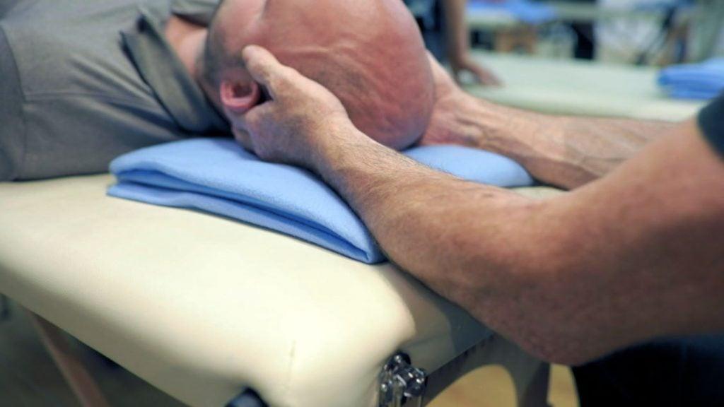 Badanie dotykowe kości, powięzi i płynu